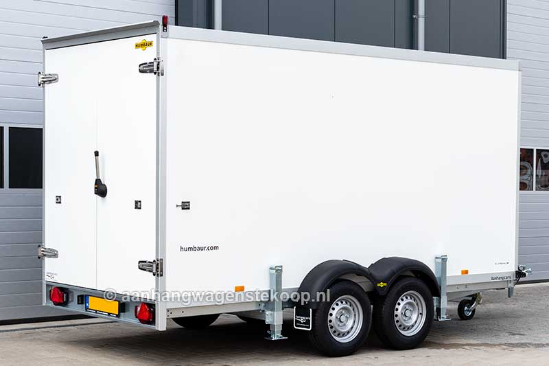Tandemas koelaanhangwagen met veiligheidsdeuren
